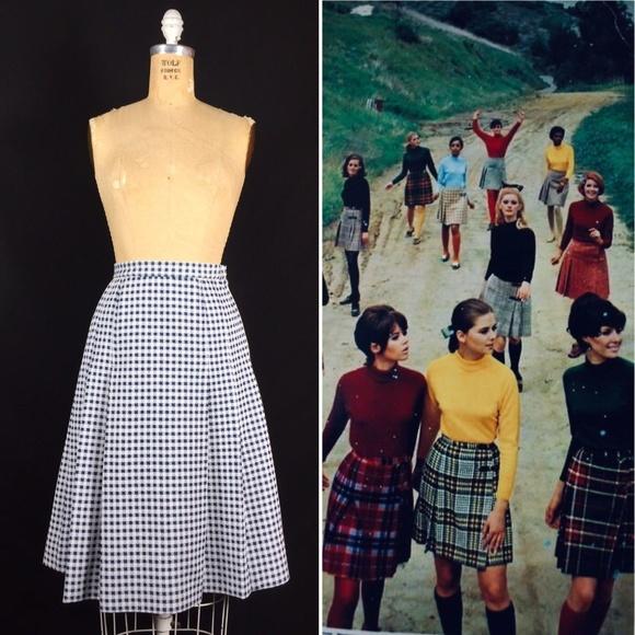 fc4be16ba0 60's Checker Plaid Knit Pleated Skirt Mod Twiggy. M_5be8ae642beb799934688525